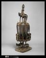 """Coupe avec couvercle surmonté d'un cavalier, Exposition """"Dogon"""", Musée du Quai Branly, 5 avril au 24 juillet 2011"""